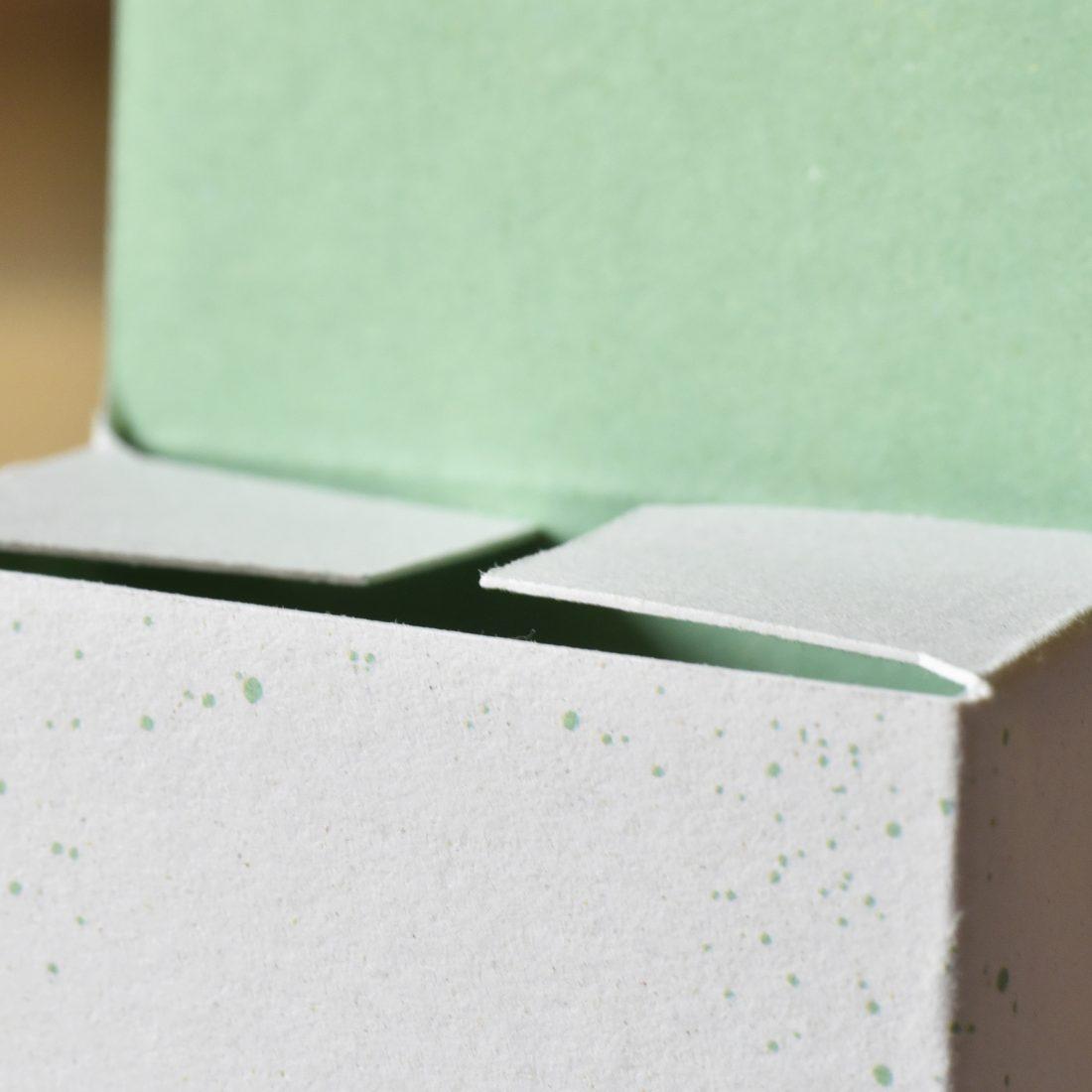 Il packaging per l'azienda Adamà in carta ecologica Favini Crush Mais